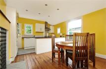 2 bed Flat in Burnbury Road, Balham...