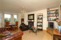 Flat to rent in Fontenoy Road, Balham...