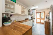 2 bed Flat to rent in Dornton Road, Balham...