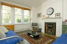 3 bed Maisonette in Weir Road, Clapham South...