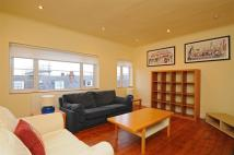 2 bedroom Flat to rent in Terrapin Road, Balham...