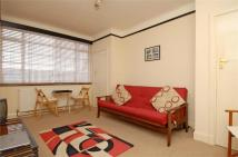 Studio flat to rent in Balham High Road, Balham...
