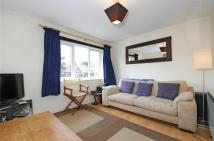 Flat to rent in Gosberton Road, Balham...