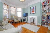 Maisonette to rent in Burnbury Road, Balham...