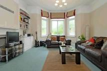 2 bed Flat to rent in Rastell Avenue...