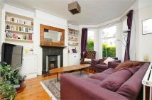 Flat to rent in Fieldhouse Road, Balham...