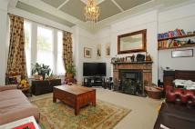 2 bedroom Flat in Drakefield Road, Balham...