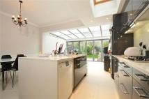 4 bed Terraced house in Weir Road, Balham, London