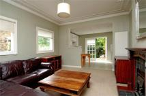 Flat to rent in Rossiter Road, Balham...