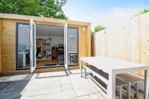 2 bedroom End of Terrace property in Cavendish Road, Balham...