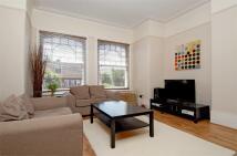 Flat in Elmbourne Road, Balham...