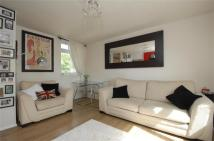 Flat in Pakenham Close, Balham...