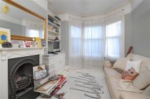 Maisonette to rent in Ravensbury Road...