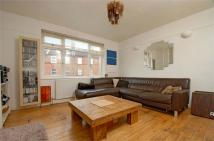 2 bed Flat to rent in Garratt Lane, Earlsfield...