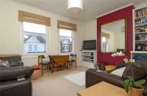 Flat to rent in Kimber Road, Earlsfield...