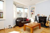 Flat to rent in Steerforth Street...