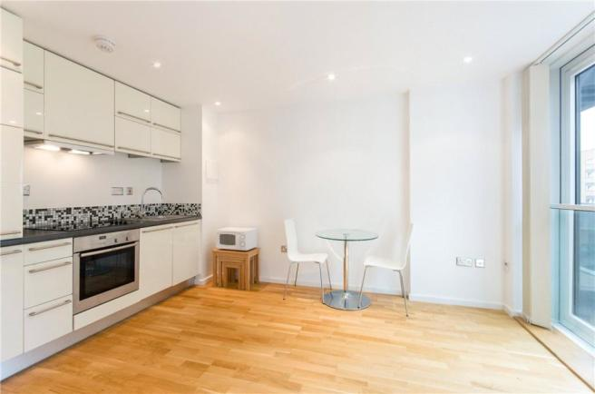 Kitchen: E14 Flat