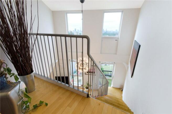 E14 Flat: Stairs