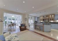5 bed Terraced home in Chelsea Park Gardens...