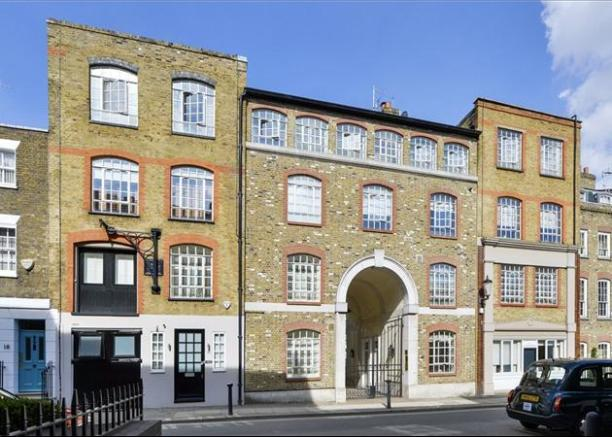 2 bedroom terraced house for sale in painters yard 10 14 for Classic house old street london