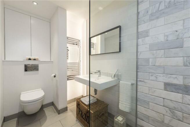 Chelsea: Bathroom