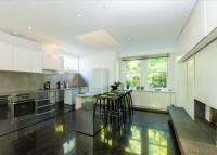 4 bedroom semi detached house in The Gables...