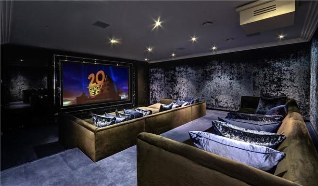 Cinema Room, N6