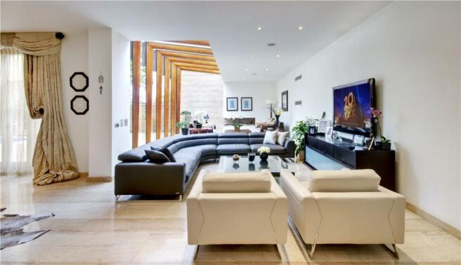 Lounge, N6