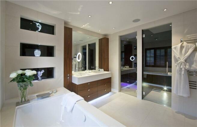 En Suite, Nw11