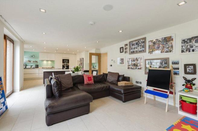 Tv Room, Nw3