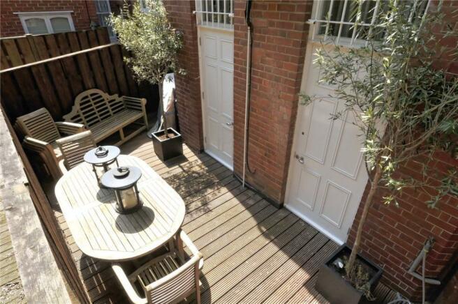 Hampstead: Balcony