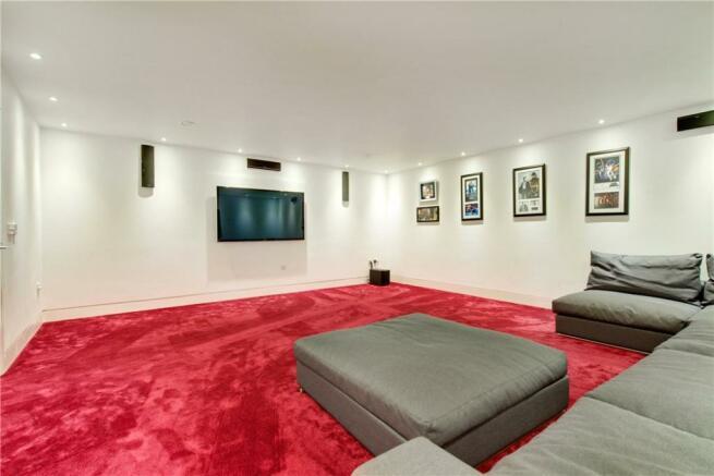 Highgate: Tv Room