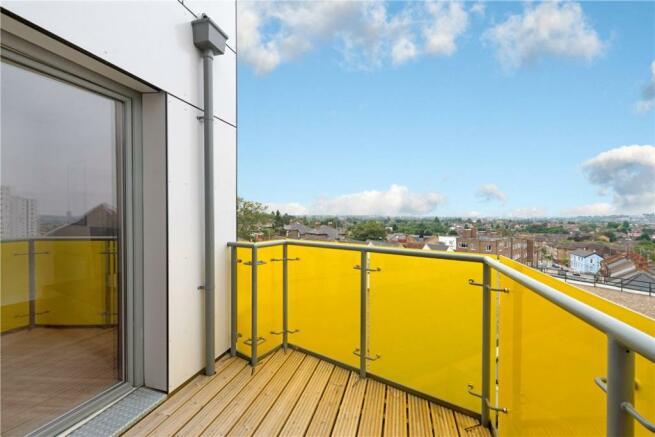 Balcony, Nw11