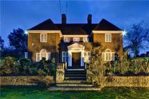 8 bedroom Detached house in Green Close, London, NW11