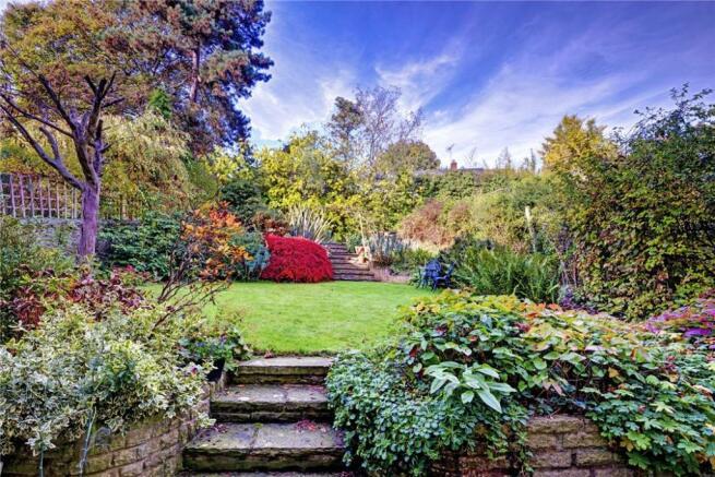 Garden, Nw3