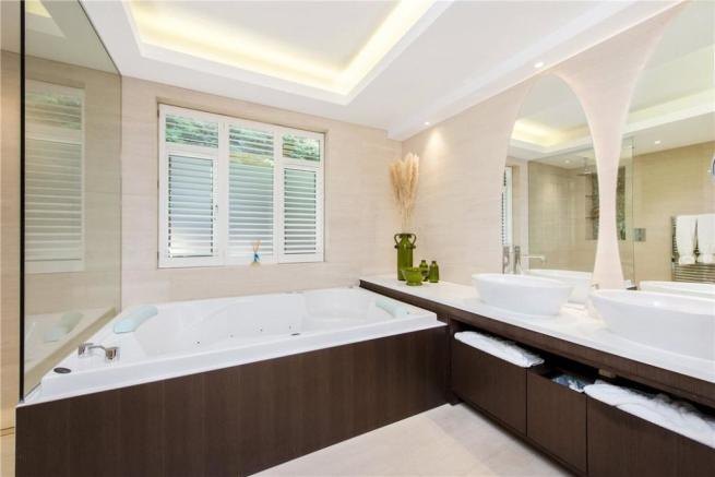 Bathroom Nw4