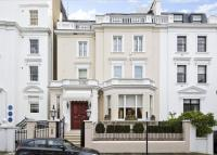semi detached property in Hyde Park Gate...