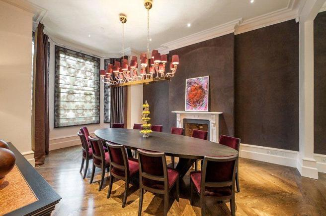 Dining Room W8