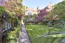 7 bed semi detached property in Holland Park Road...