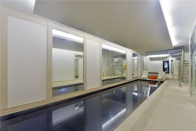 W8 - Swimming Pool