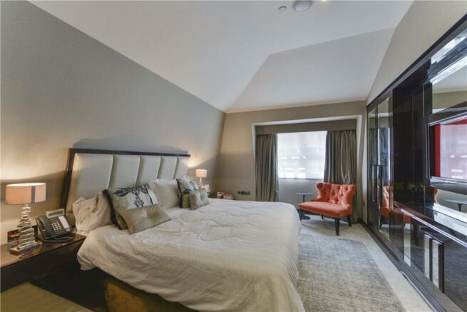 W8 - Bedroom