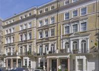 Flat for sale in De Vere Gardens...