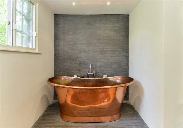 Bathroom W8