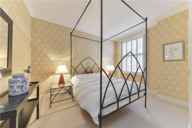 Bedroom W8