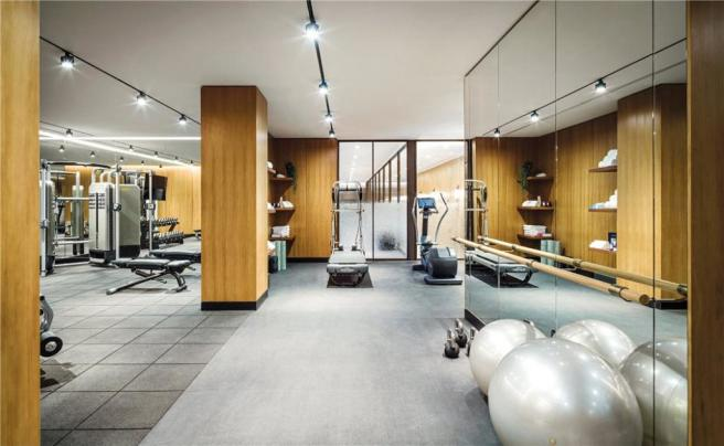 Communal Gym W8