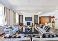 3 bed Flat in North Row, Mayfair...