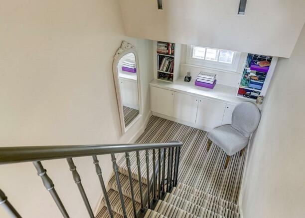 Mayfair: Stairs