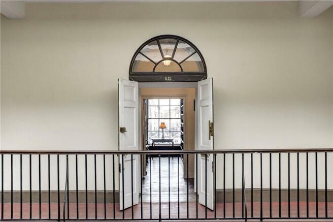 Mayfair: Entrance