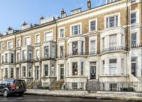 5 bed Terraced home in St. James's Gardens...