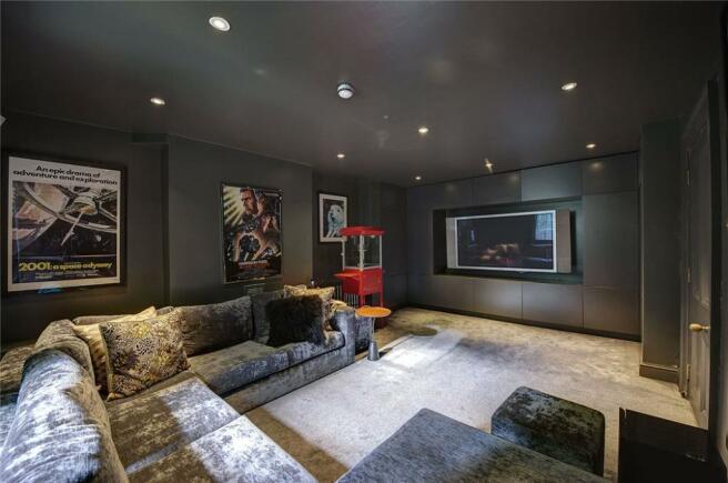 Tv Room, W11
